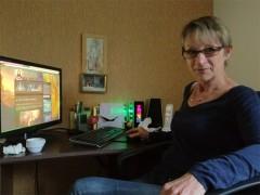 Interview d'une mamie raideuse par Mamytwink
