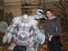 Une abomination en papercraft géant