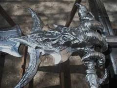 Vidéo de la reproduction de l'épée Deuillegivre en bois